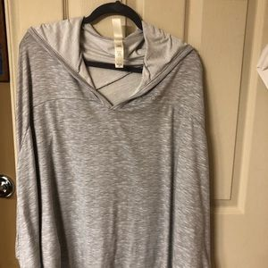 Jessica  Simpson, Dolman cape sleeve shirt